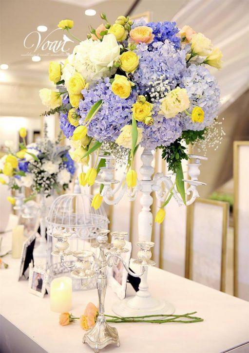 sử dụng hoa trong tiệc cưới sao cho phù hợp