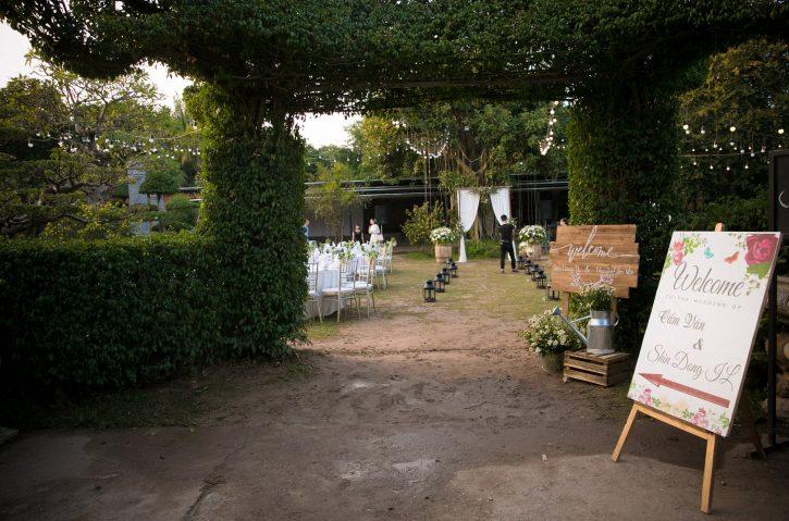 biển chào trang trí tiệc cưới ngoài trời