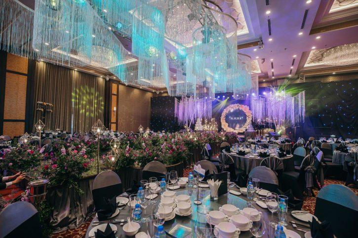 trang trí sảnh tiệc cưới cần lưu ý sức chứa