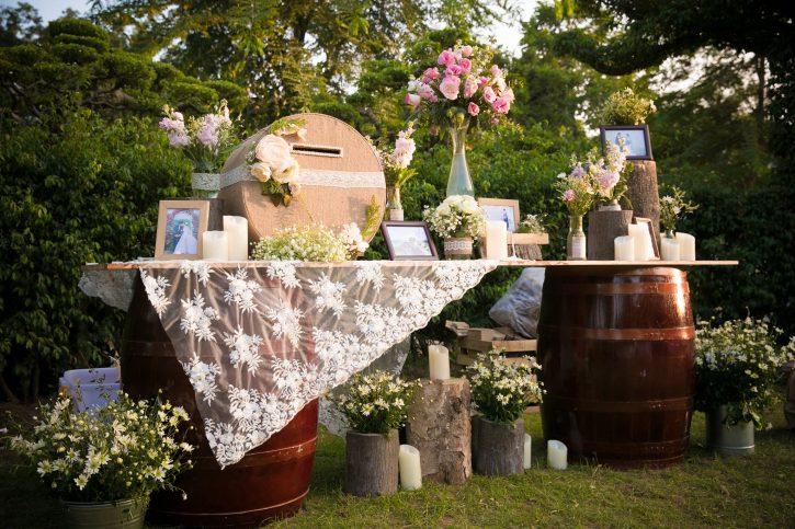 ý tưởng trang trí tiệc cưới ngoài trời đầy sáng tạo